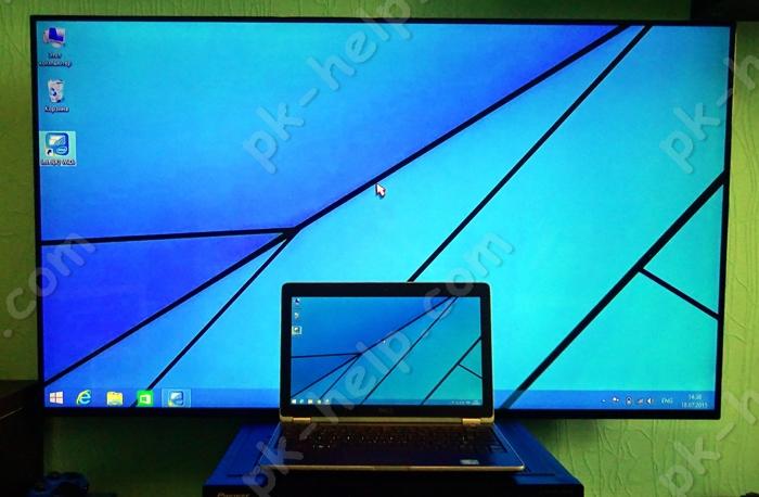Фото Ноутбук подключенный к телевизору с помощью беспроводной технологии WiDi